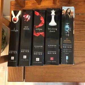 Stephanie Meyer's Twilight incl. The Host